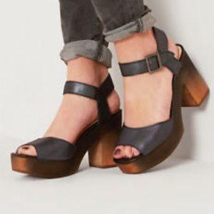 Kelsi Dagger Brooklyn Front Dress Sandal, Black